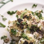 Seppioline con croccante di pane all'aglio e citronette agli agrumi