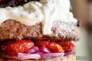 hamburger burrata olive taggiasche pomodoro
