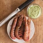 Gamberoni grigliati con salsa green goddess