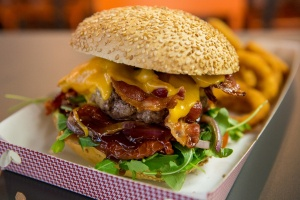 Il Bacon Cheeseburger di Macinata