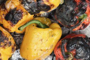 Peperoni in ember roasting