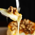 Camembert affumicato su placca